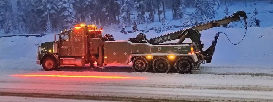 Model 529 LED Warning Light on Tow Truck